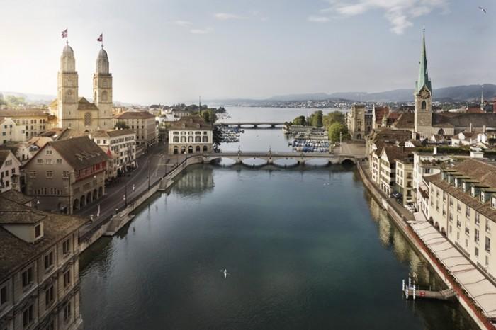 Noe Flum Zürich Tourismus Limmat Grossmünster Luftaufnahme