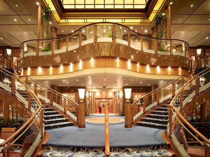 Markus Bertschi Queen Mary 2 Aufgang Speisesaal