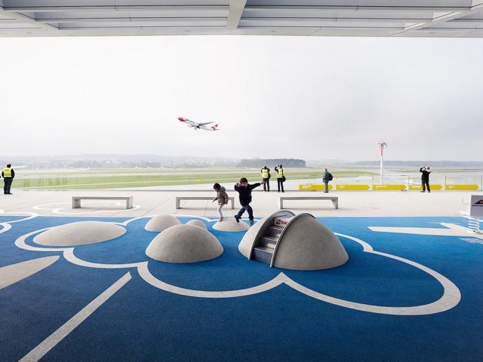 Markus Bertschi Flughafen Zürich Terrasse Spielplatz
