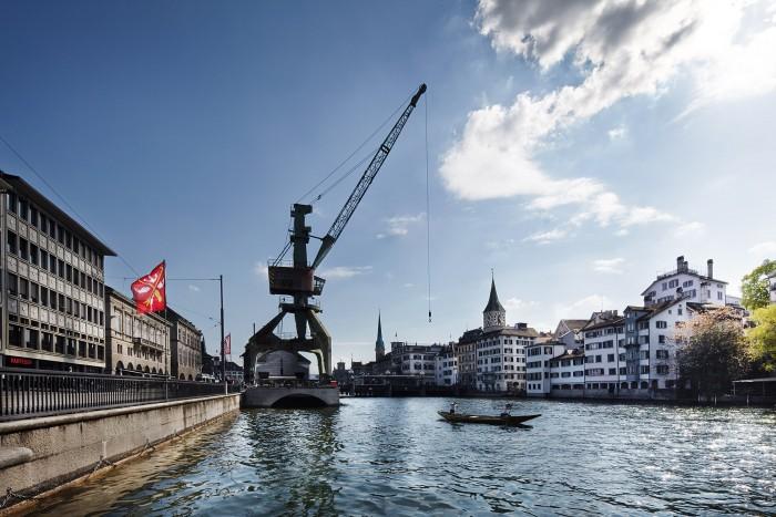 Noe Flum Zürich Tourismus Hafenkran Schrott oder Kunst