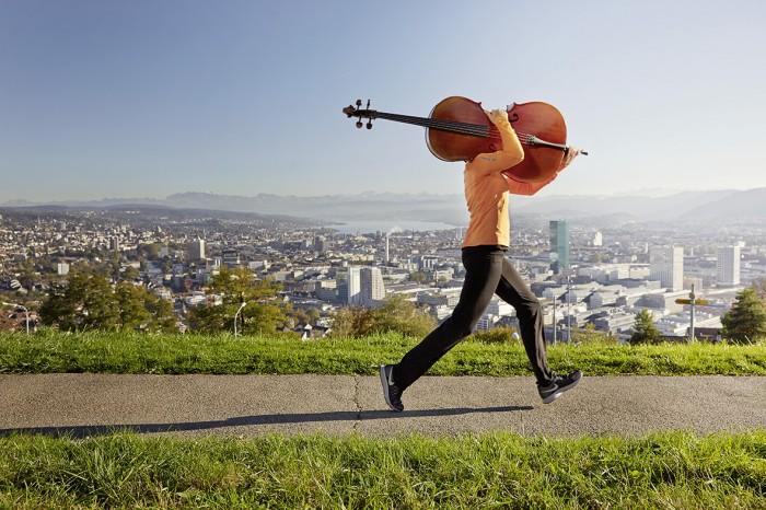 Noe Flum SIX Geschäftsbericht 2014 Innovation Schrittmacher Cello Joggen Zürich