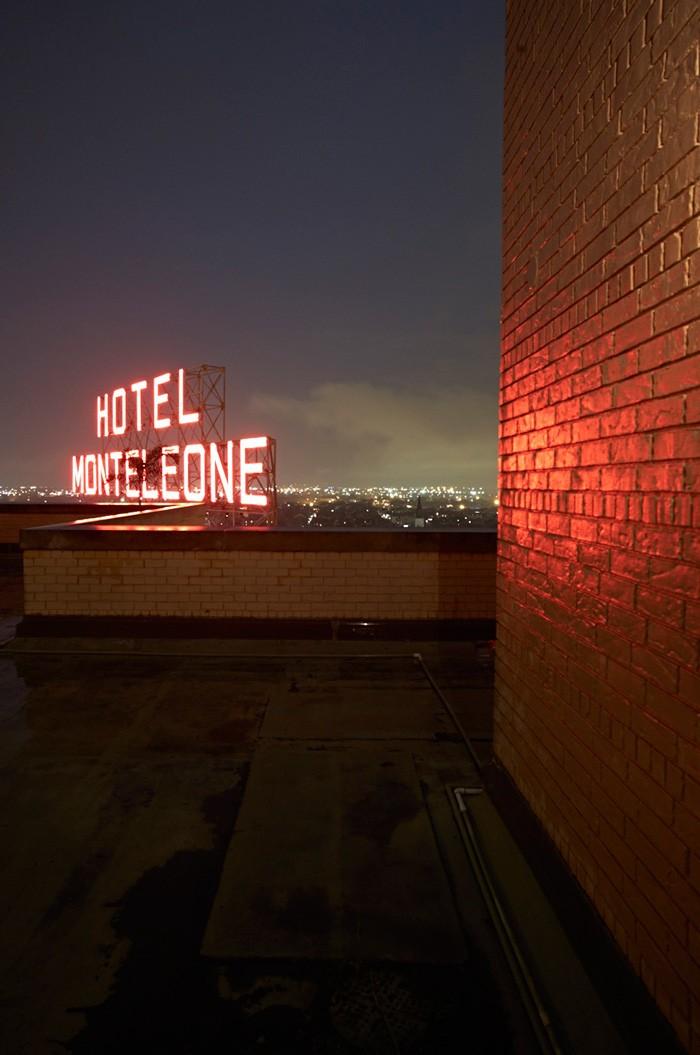 Markus Bertschi New Orleans Mississipi Dach Hotel Monteleone Nacht