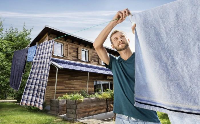 Markus Roessle Wienenergie Solar Mann Wäsche trocknen