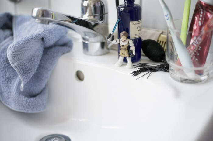 Fabian Unternaehrer bank now Lavabo Wasserhahn frotteetuch Zahnglas
