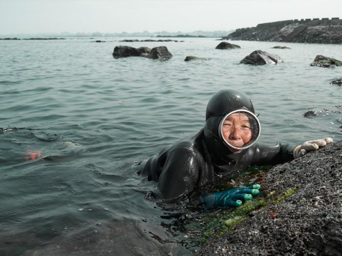 Gerber Loesch Korea Jeju Haenyeo Meerfrau Taucherin Taucherbrille Meer