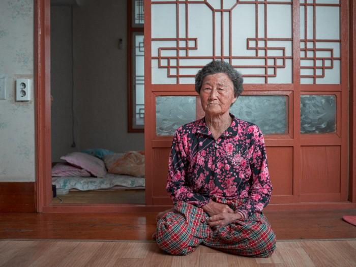 Gerber Loesch Korea Jeju Haenyeo Meerfrau Taucherin Wohnung