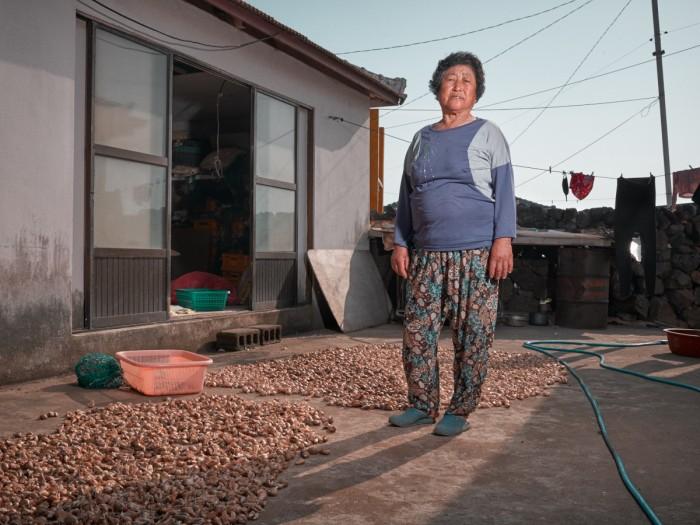Gerber Loesch Korea Jeju Haenyeo Meerfrau Knoblauch Setzling