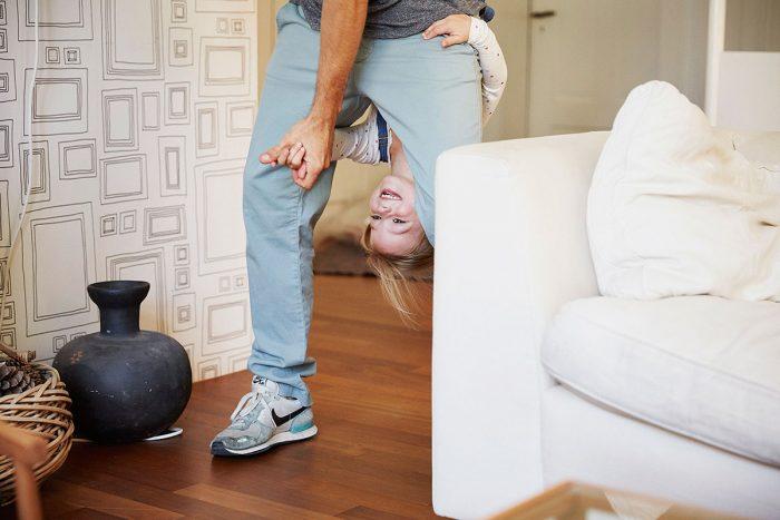 Markus Bertschi Mobiliar Versicherung PK Spielen Wohnung Sofa