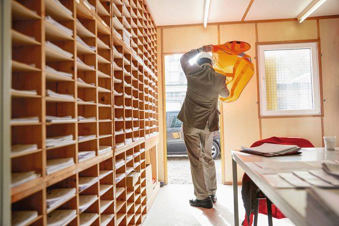 Markus Bertschi Mobiliar Versicherung UK Bau Baracke