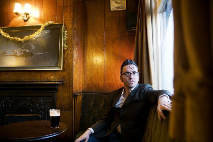 Mischa Haller Richard Hawley singer songwriter Musiker Fagans pub Sheffield