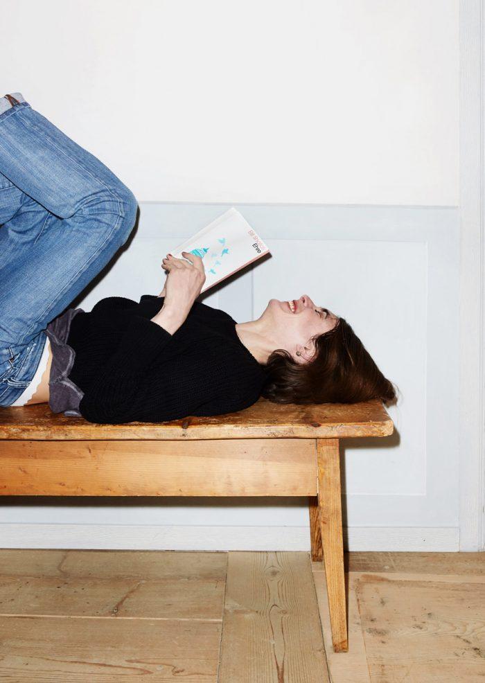 Noe Flum Kein & Aber Verlag Dagna Litzenberger Buch lesen Holzbank