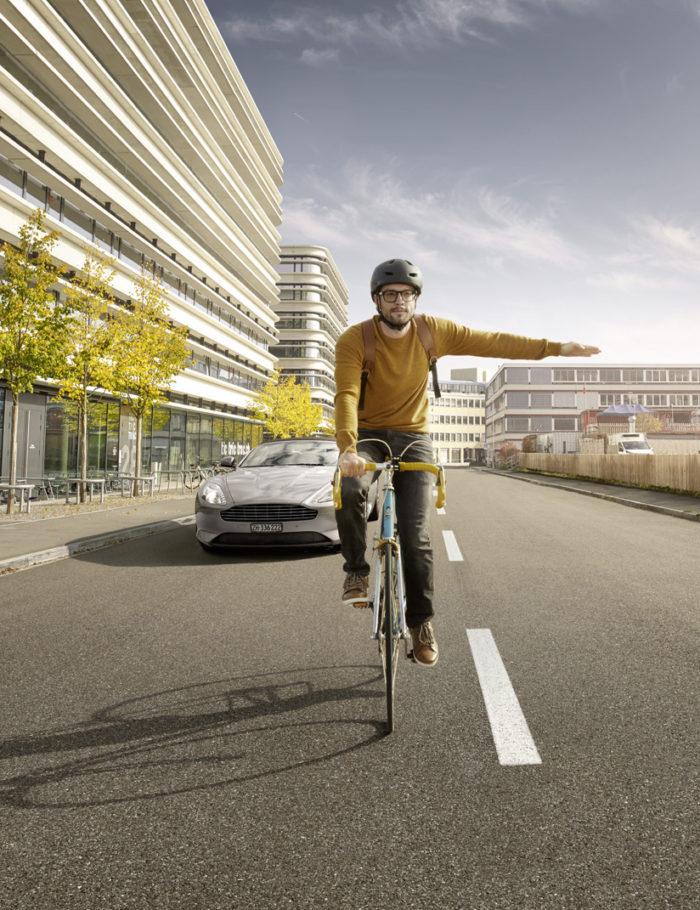 Noë Flum Pro Velo Fahr sichtbar Rennvelo Fahrrad abbiegen Aston Martin Strasse