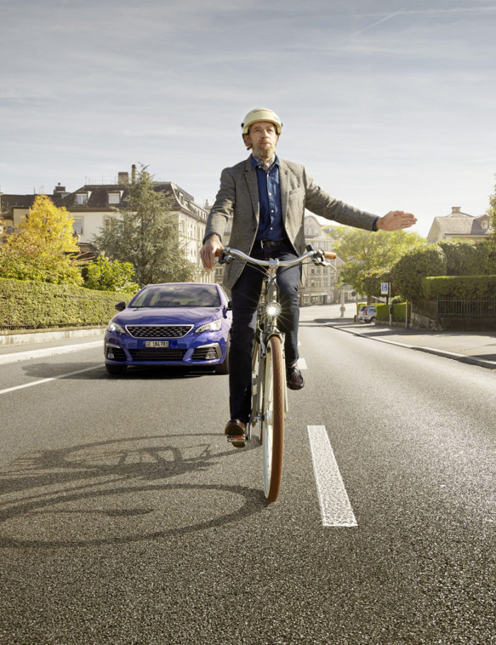 Noë Flum Pro Velo Fahr sichtbar abbiegen Fahrrad Peugeot Strasse