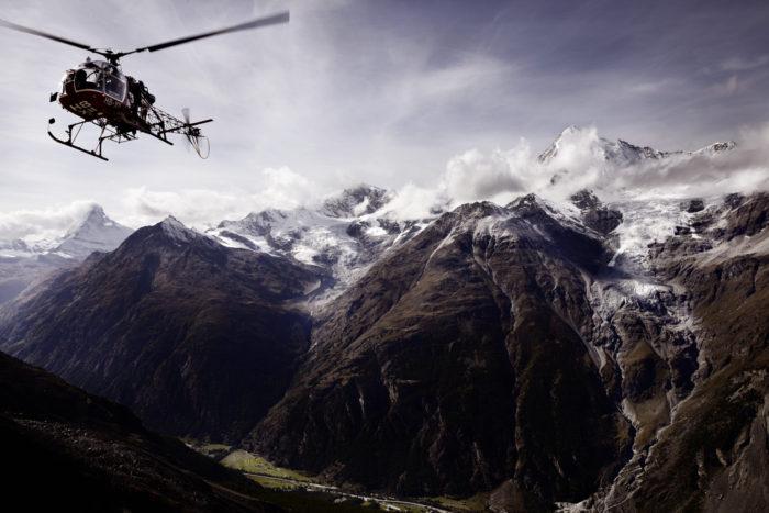 Noe Flum Air Zermatt Hubschrauber Lama SA 315B Anflug Domhütte Matterhorn Weisshorn