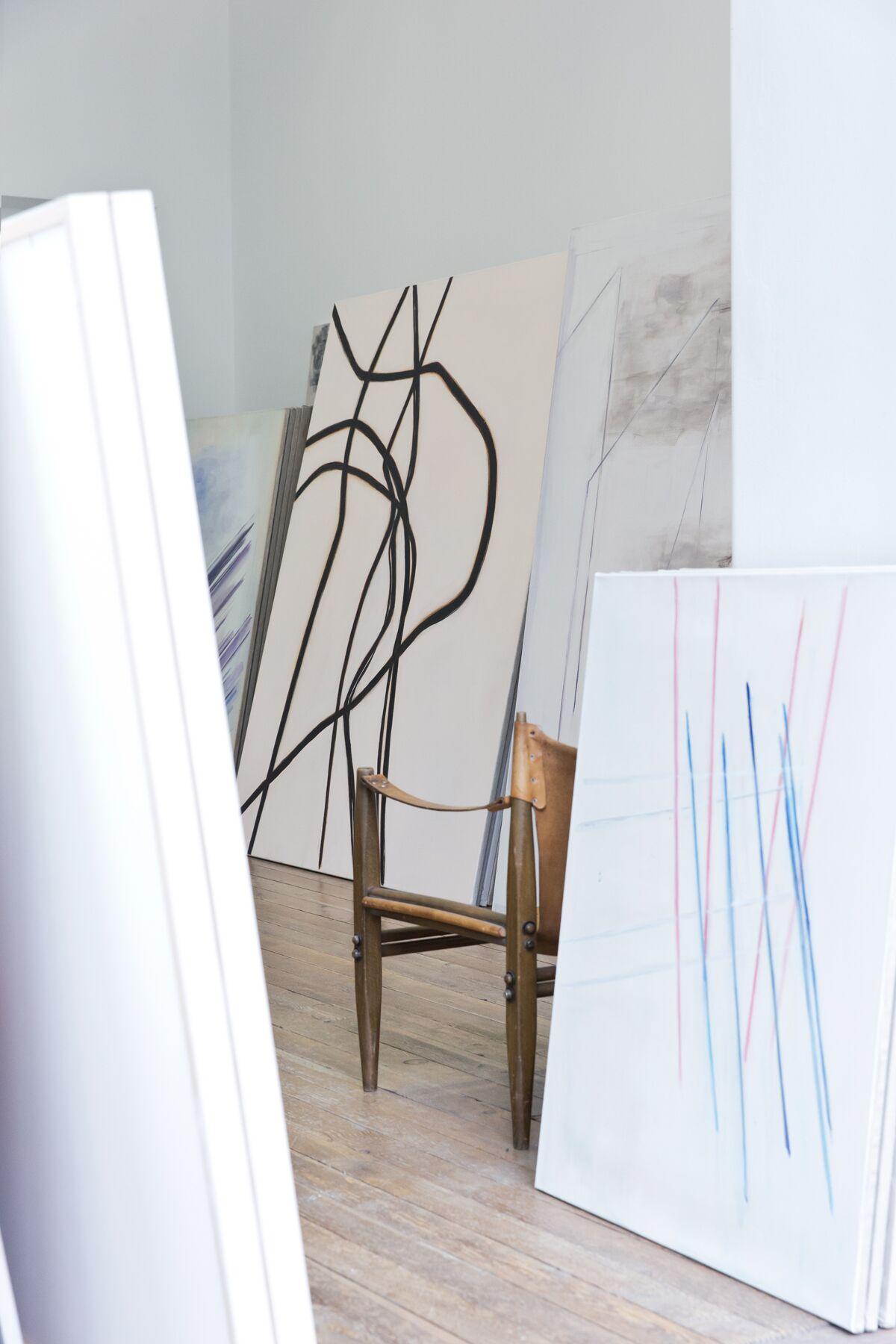 Markus Roessle Suse Krawagna Künstlerin Malerin Atelier Wien Kunst Linien Leinwand Kunstwerk