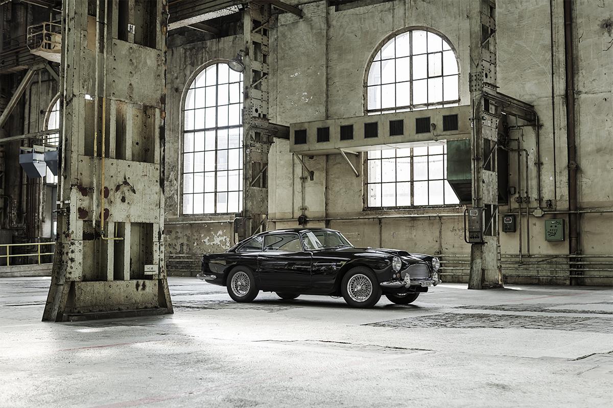 Felix Streuli Oldtimer 1960 Aston Martin DB4 Series-1 Industriehalle