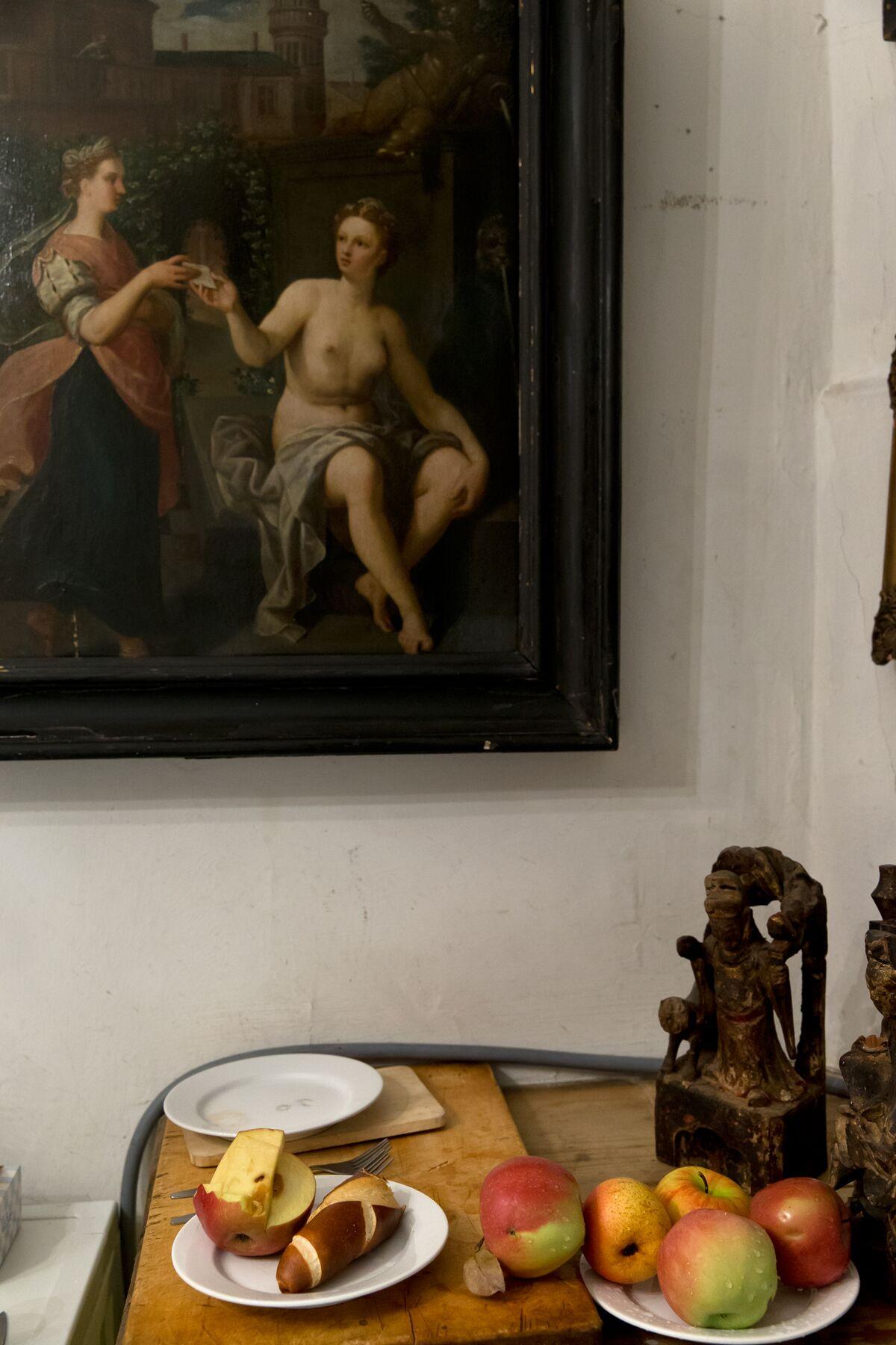 Markus Roessle Walter Vopava Kuenstler Maler abstrakt Malerei Oesterreich Atelier Aepfel