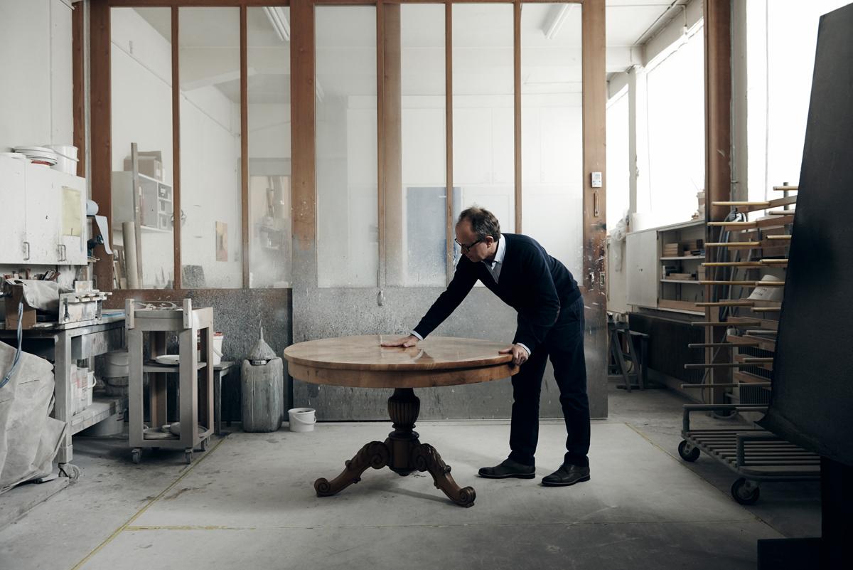 Fotograf Simon Habegger Boesiger Langenthal Innenarchitektur Schreinerei Werkstatt Tisch