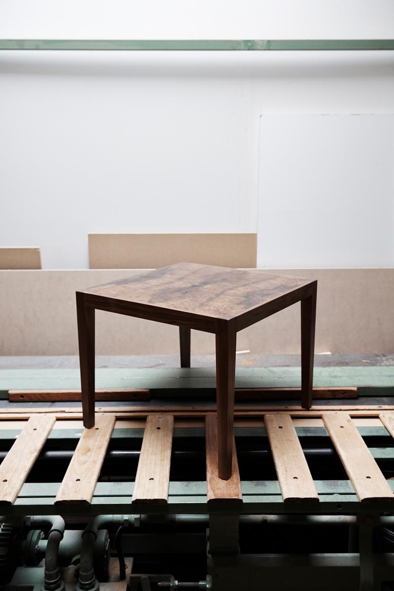 Fotograf Simon Habegger Boesiger Langenthal Innenarchitektur Schreinerei Möbel Tisch