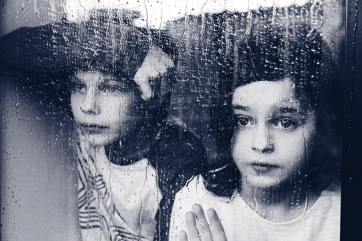 Kinderbuch Drueck mich Paul und Paula ISBN: 978-3-99028-778-1 Kinder Regen Scheibe