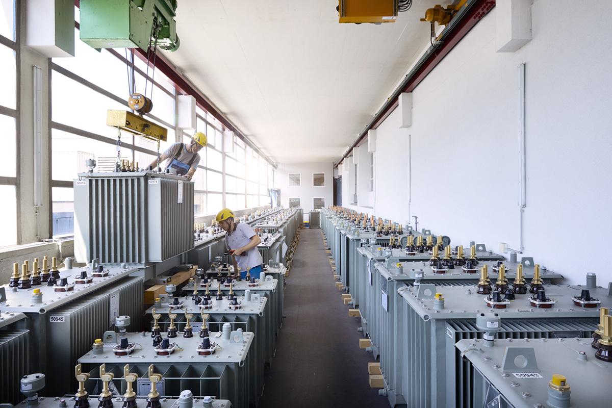 Noë Flum Elektrizitätswerke des Kantons Zürich EKZ Energieversorger Trafowerkstatt Deckkran