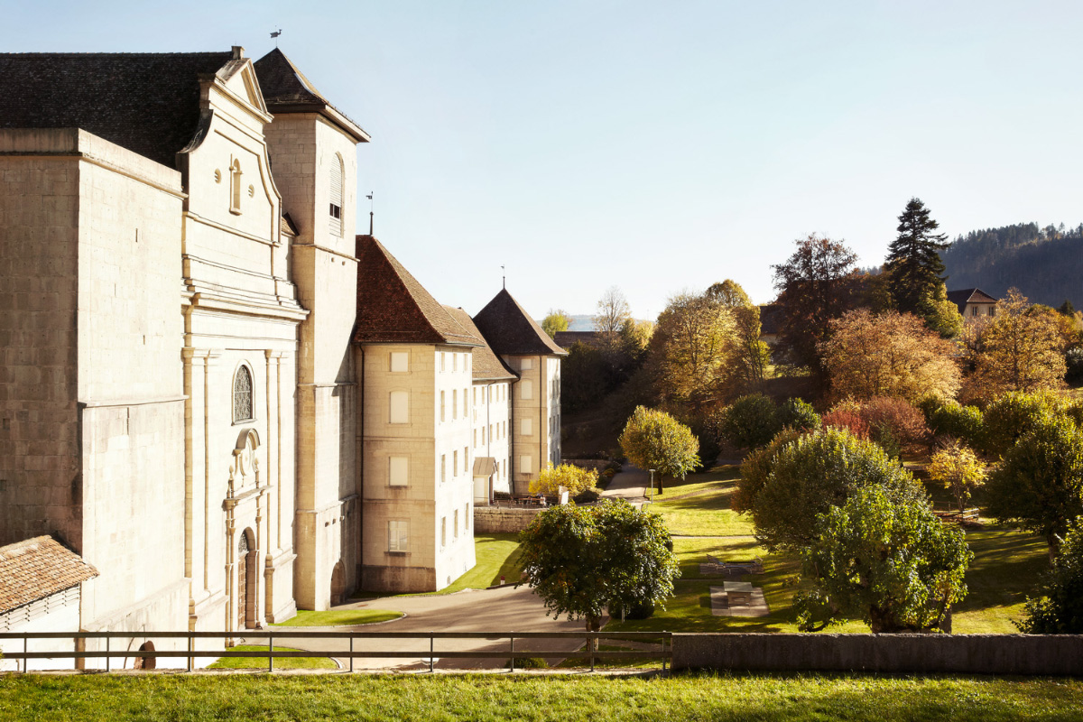 Lea Meienberg Transhelvetica Berner Jura Kloster Bellelay