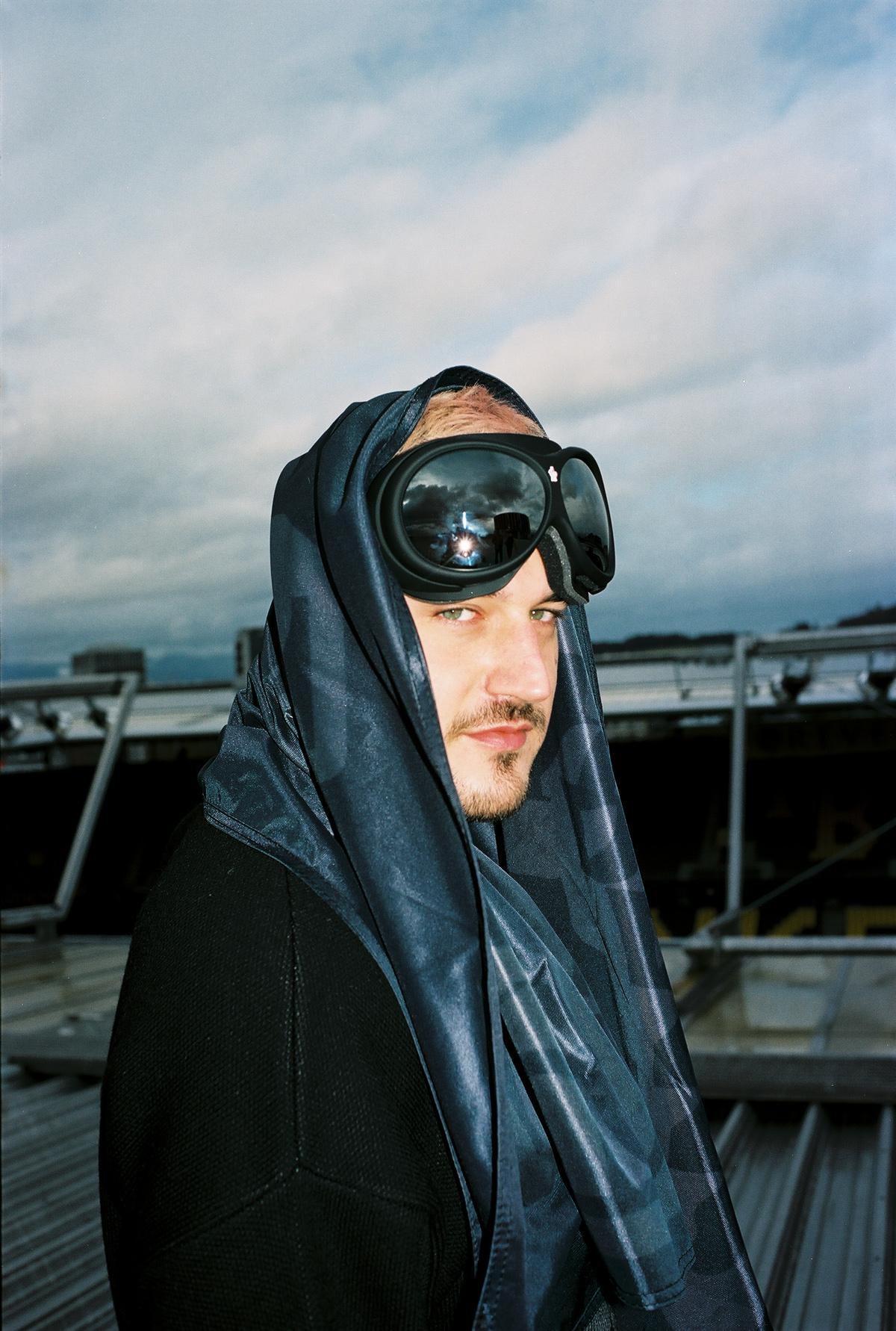 """Fotograf Simon Habegger """"hässig"""" BSC YB Kollektion 2021 fashion juri.iwan"""